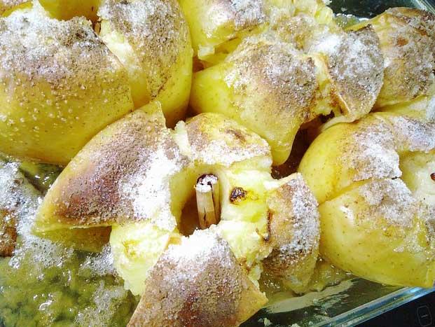 Bratäpfel frisch aus dem Ofen