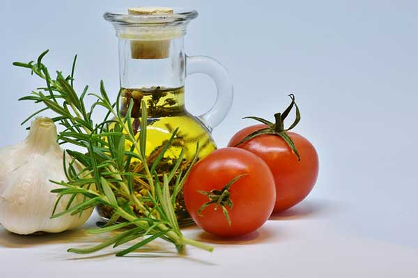 Wertvolle Öle zum gesunden Kochen