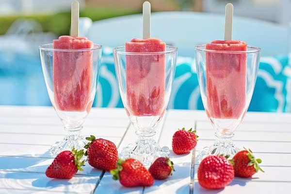 Für den Sommer - Erdbeereis am Stiel